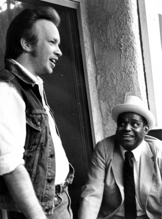 Dave Alvin (L) and Willie Dixon